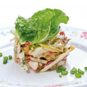 Салат с крабовыми палочками, яблоком и сладким перцем(СРЕДА)